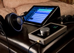 Duet-iPad-Headphones-1000