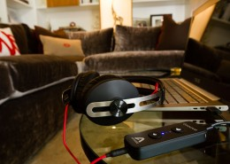 Groove-Momentums-MacBookPro-Glass-Table-Brown-Couch-IMG_0295