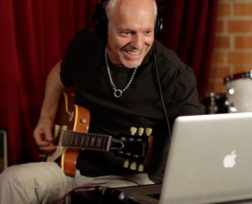 JAM - Guitar Interface for iPad & Mac - Apogee Electronics